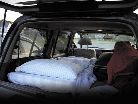 SLEEPING-IN-CAR-2