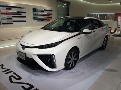 Toyota_mirai_2015photo