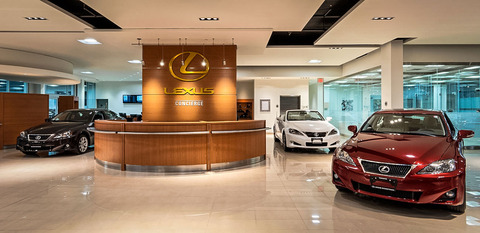 12-07-02-lexus-downtown-showroom