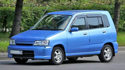 1999_Nissan_Cube_01