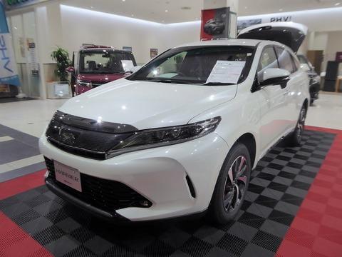 1280px-Toyota_HARRIER_TURBO_ELEGANCE_(DBA-ASU60W-ANTMT)_front