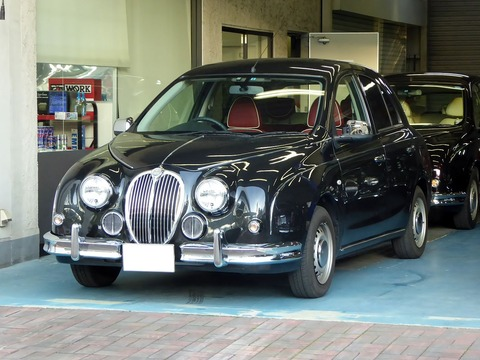 1280px-The_frontview_of_Mitsuoka_K13_Viewt_12ST
