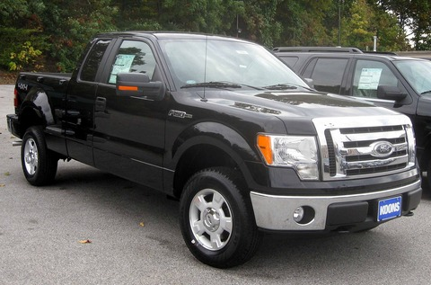 1920px-2009_Ford_F-150_XLT