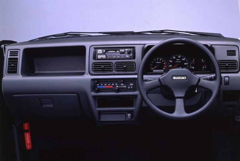 昔の軽自動車の内装安っぽくて草ww : くるまにあ速報
