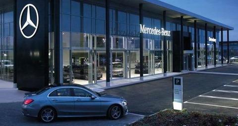 Mercedes_Forecourt_620