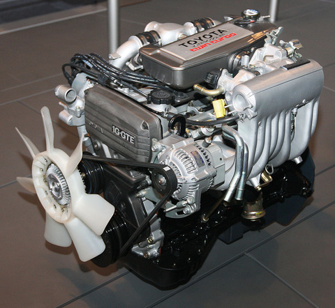 1985_Toyota_1G-GTEU_Type_engine_front