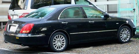 2004_Toyota_Crown-Majesta_02