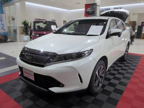 1024px-Toyota_HARRIER_TURBO_ELEGANCE_(DBA-ASU60W-ANTMT)_front