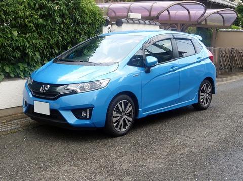 Honda_FIT_HYBRID_S_Package_(GP5)_front