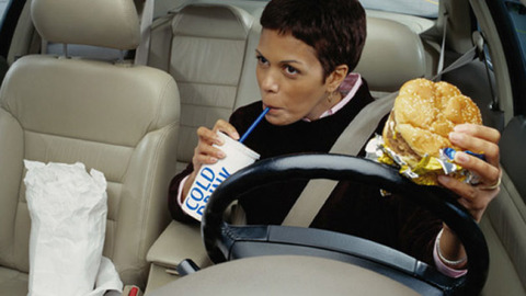 eating-while-driving-630-getty