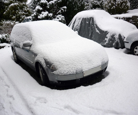 snow_coverd_car