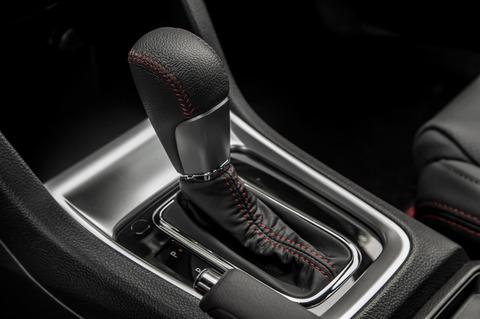 2015-Subaru-WRX-CVT-gear-shifter