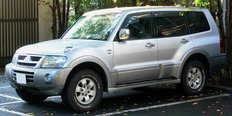 2002_Mitsubishi_Pajero_01