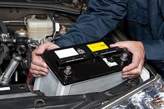 201608-article-ChangingCarBattery