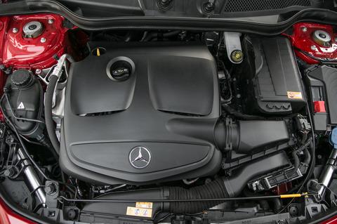 2014-mercedes-benz-cla250-enginejpg