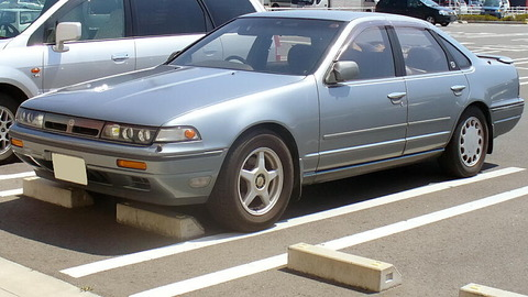 Nissan_Cefiro_1988