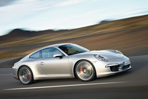 2013-Porsche-911-Carrera-S-4