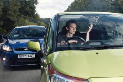 10_worst_driving_habits1-592x395