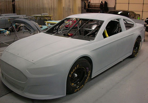 get_your_first_look_at_the_ford_fusion_nascar_will_use_in_