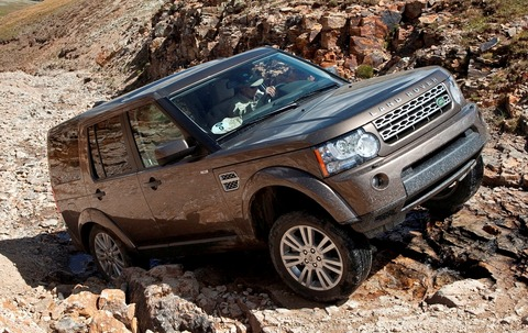 Auto_Land_Rover_Land-Rover-LR4_in_the_mountains_026181_1