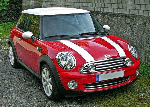 1280px-Mini_Cooper_Facelift_front