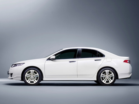 Honda-Accord-Diesel-Type-S-Sedan-2009-Photo-02