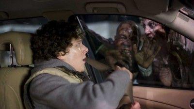 普通免許持ち「うわぁ!ゾンビだ!」AT限定免許持ち「あそこに車があるぞ!」