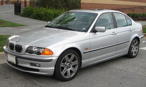1998-2001_BMW_328i_sedan