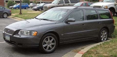 800px-2005-07_Volvo_V70