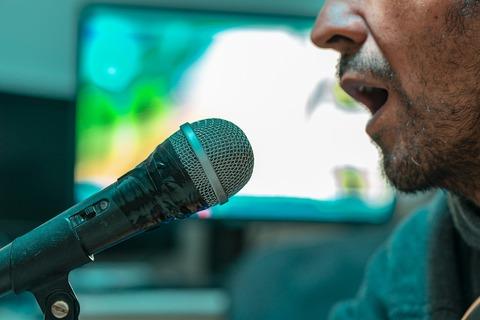 microphone-4547637_1280