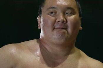 【相撲】八角理事長、ビビりながらも白鵬のことをボロクソに言ってみた。