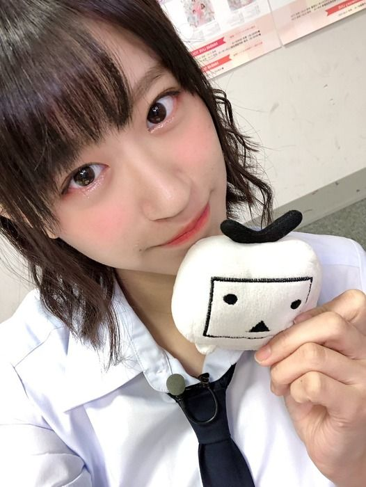【画像】NMB48上西怜(18)、プレイボーイ水着グラビアで最強おっぱい披露!