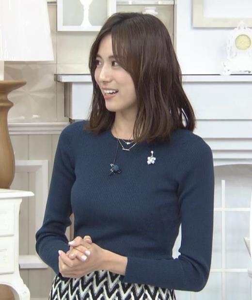 笹川友里アナ いつもタイトめなニット着てる気がする