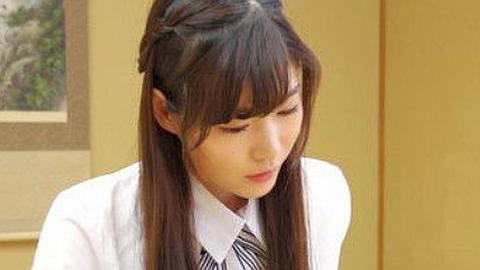 アイドル級の美少女の棋士が現れる。