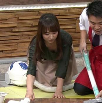 川田裕美のスケベすぎるおっぱいのチラ見せ