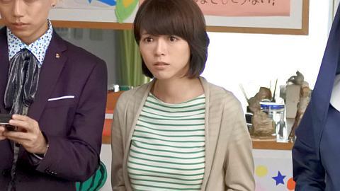 釈由美子のバストが上下左右に大揺れした結果wwwwwww