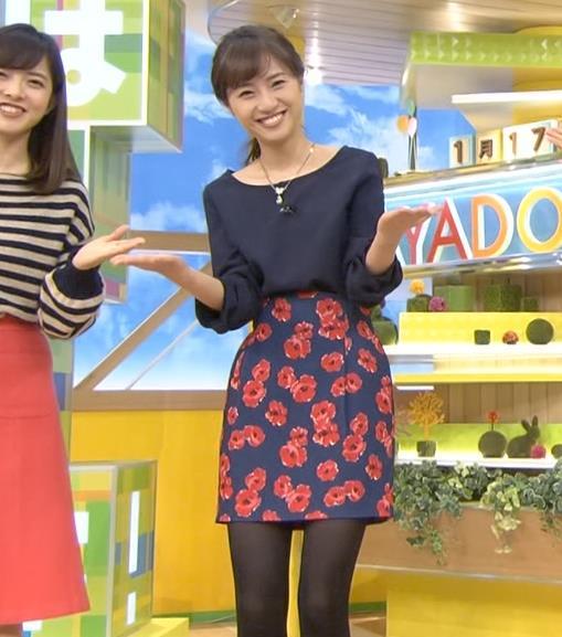 伊東楓アナ TBS1年目アナの黒ストッキング