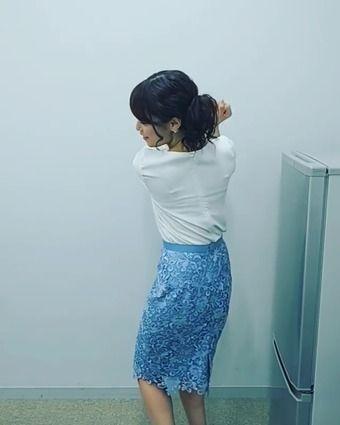鷲見玲奈アナ ブラ線スケスケ!! フルスイング!