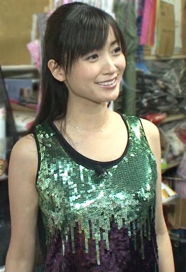 女子アナ画像                        EMI