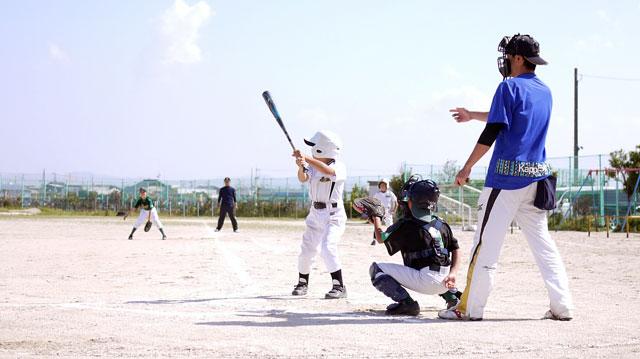 プレイボール。荘原スポーツ少年団の攻め