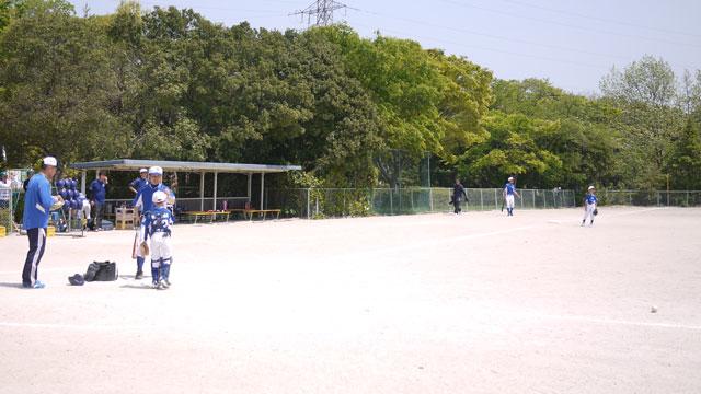 宍道ファイターズの低学年チーム・シートノック