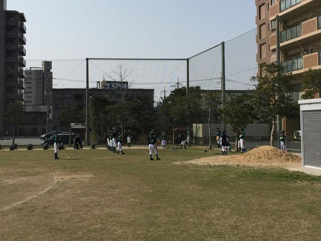 練習試合前の母衣小学校での練習