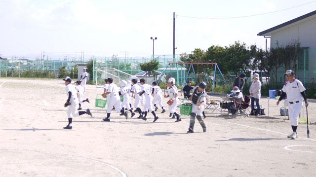 荘原スポーツ少年団のシートノック開始