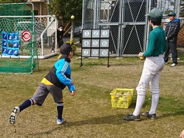 手作り自作ストラックアウト「野球体験会・種目4」