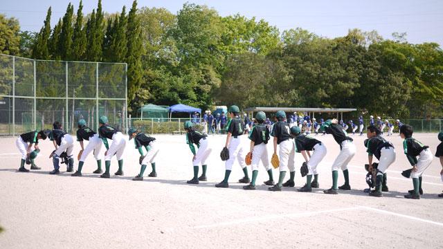 試合開始前の整列