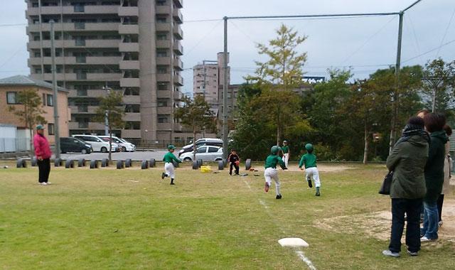学童野球ティーバッティング
