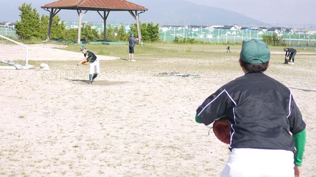 ピッチャー「Rゅーし」監督と投球練習