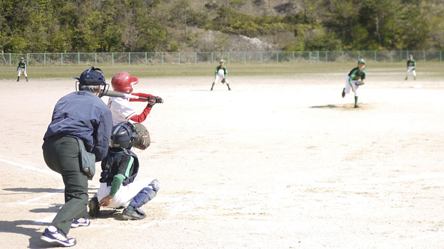 1回裏・先頭打者に対する先発ピッチャー「Kしん」の投球