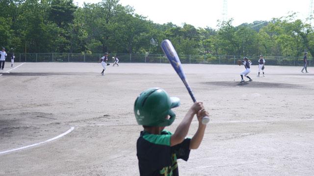 相手チームの投球練習