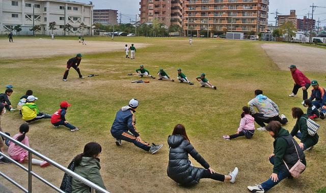 野球体験会の準備運動